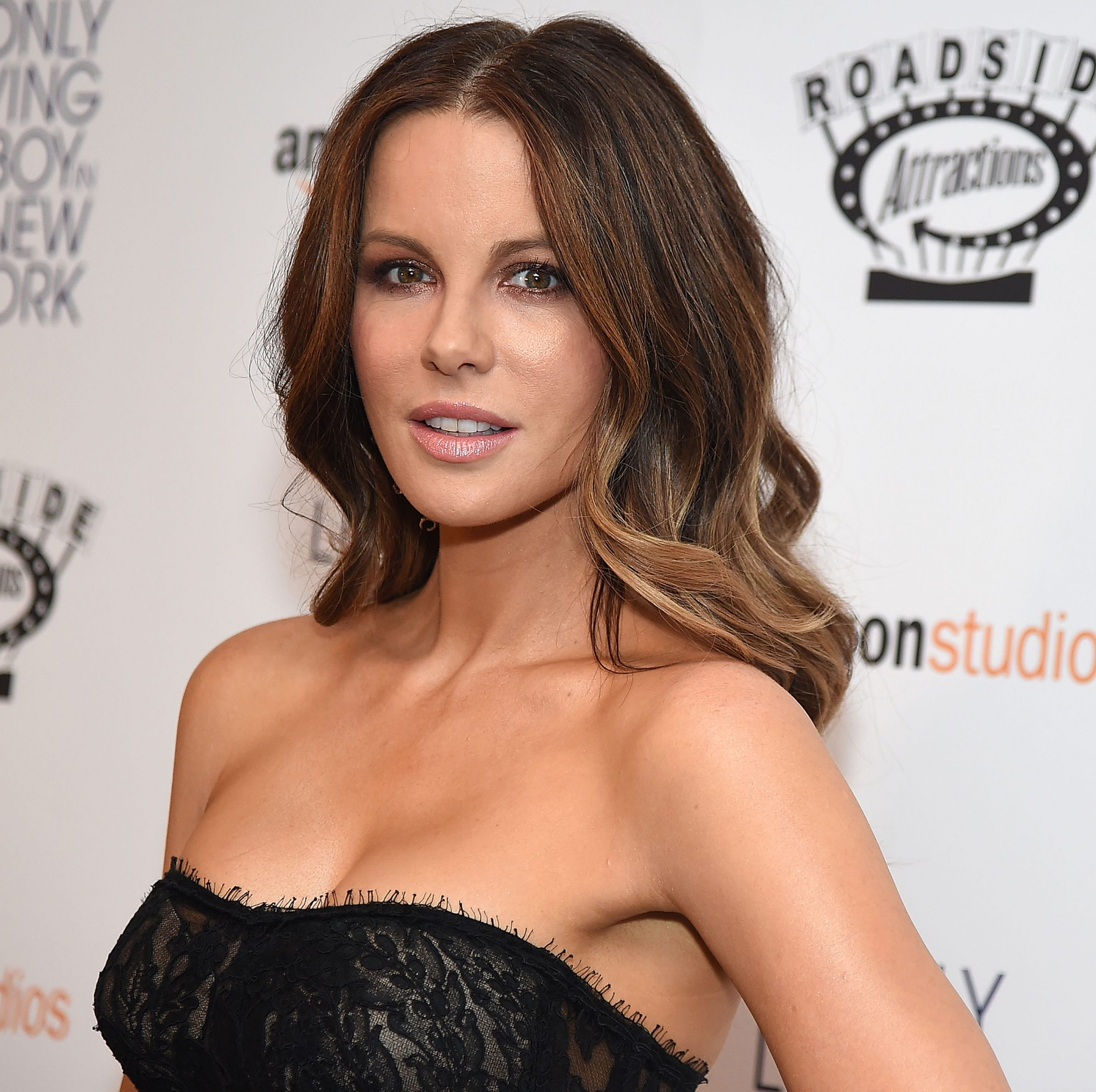 Kate Beckinsale Quote: Everybody likes the underdog because everybody…